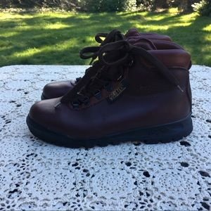 266b688cd46 Wm 90s VASQUE Leather Hiking Boots Skywalk GoreTex